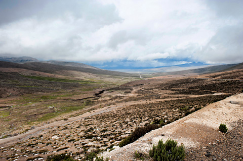 Peruvian-roadway-puno