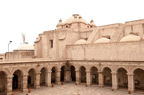 peruvian-architecture