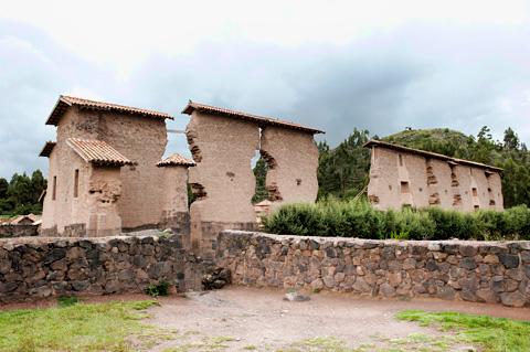 Raqchi-inca-ruins