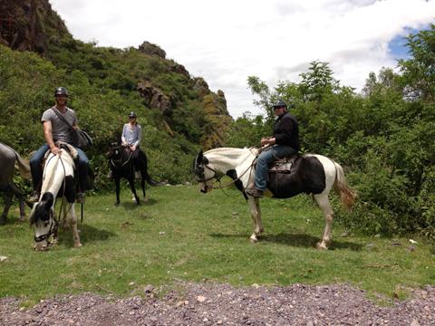 horseback-riding-peru