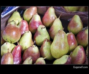 Reddish Green Pears