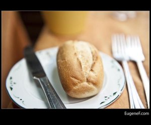 Bread Roll Dining