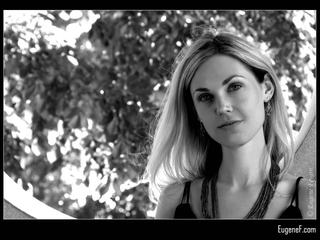 Andrea Outdoor Portrait 1