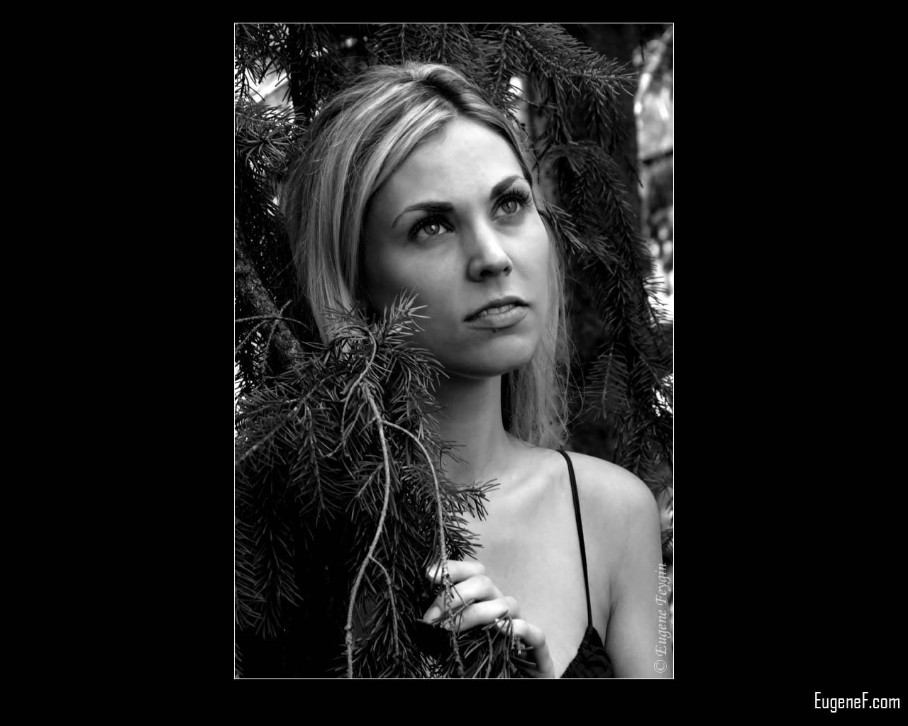 Andrea Outdoor Portrait 6