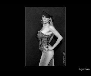 Denisa Studio Portrait 4
