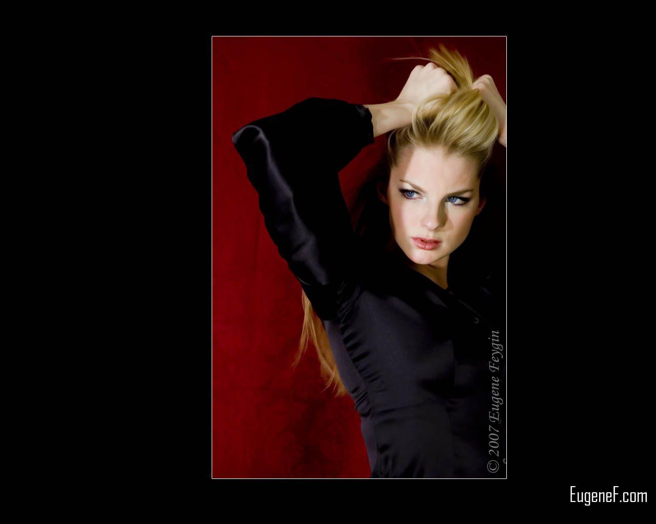 Studio Portrait of Kelly 8