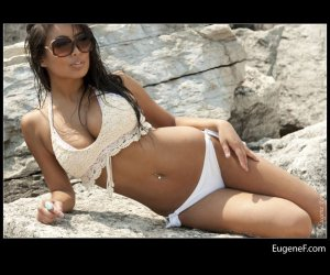 Liz At The Beach 36