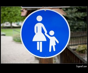 Hold Hands Sign