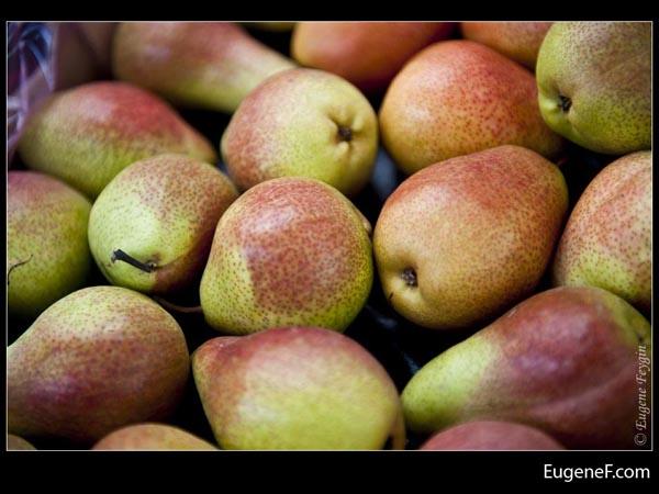 Brownish Green Pears