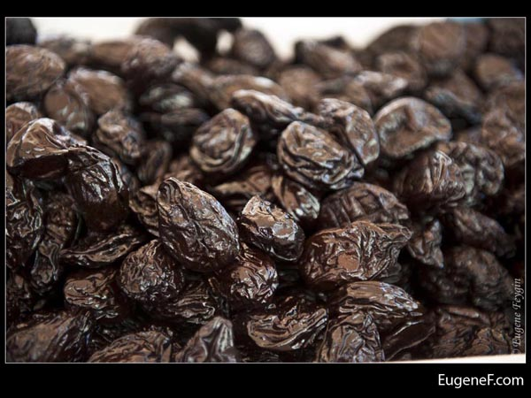 Dark Raisins
