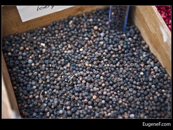 Ground Pepper Box