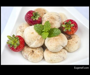 strawberry cookies mint