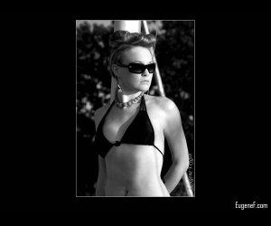 Outdoor Beach Portrait of Lauren 1