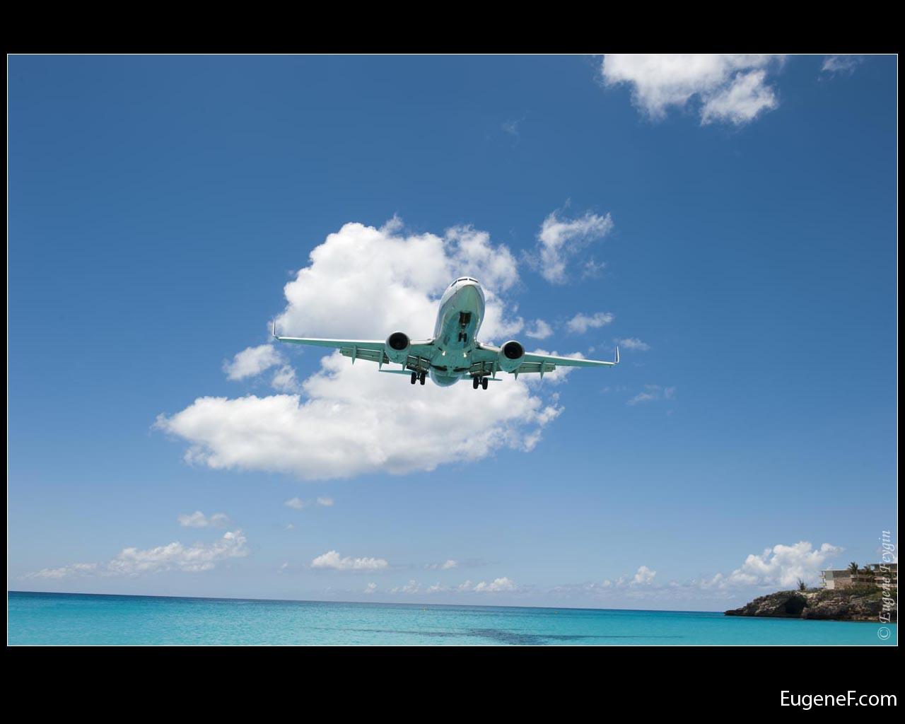 Airplane Descending
